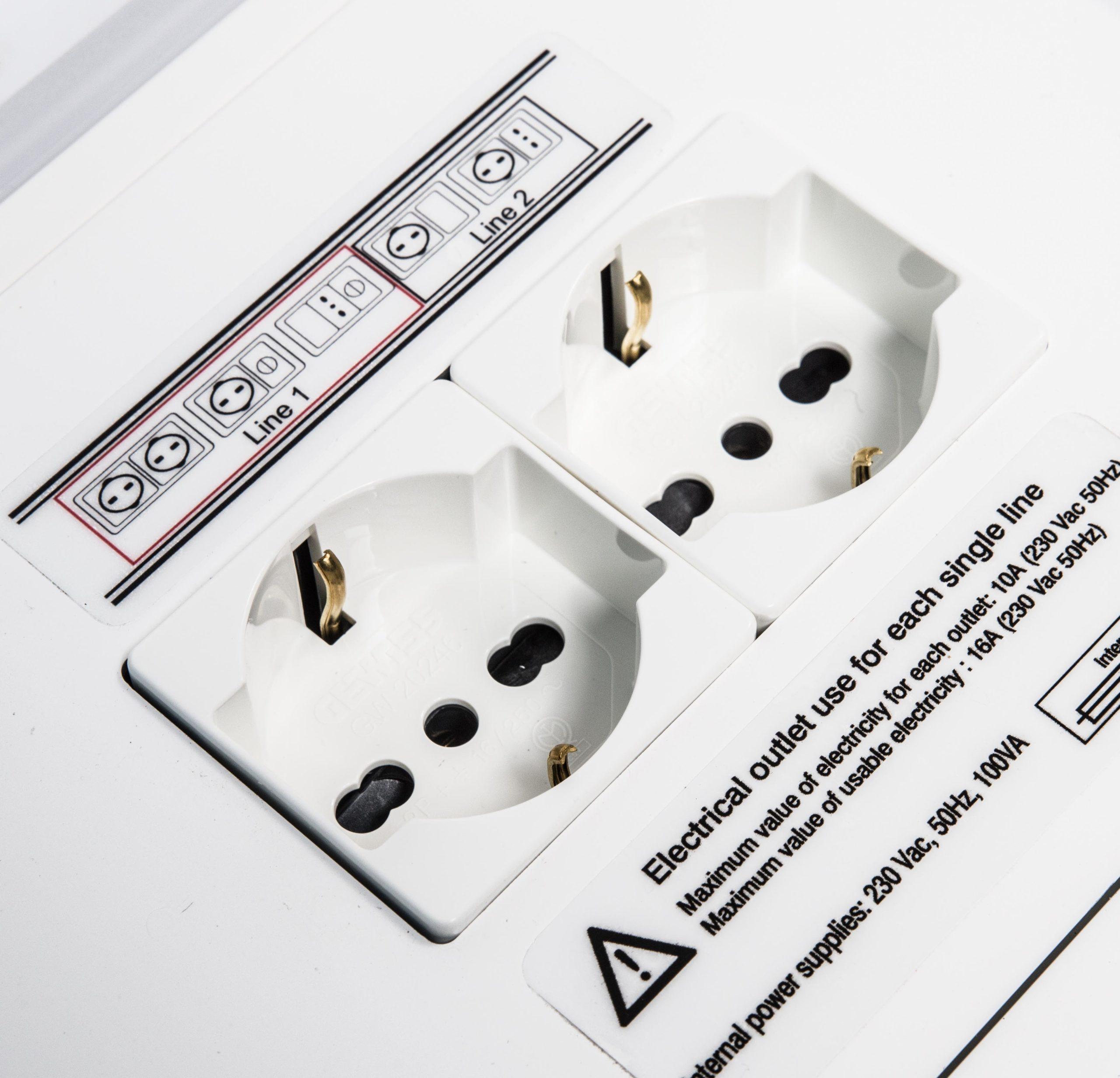 Dz Medicale - testaletto verticale dettaglio prese elettriche